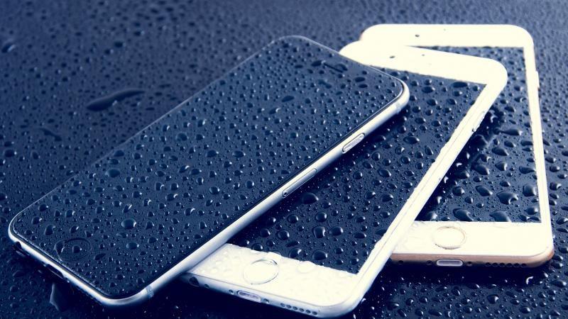 Как высушить iPhone после попадания в него воды