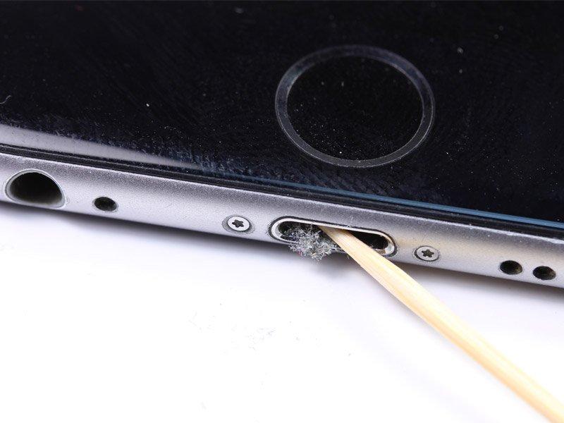 Чистка iPhone подручными средствами