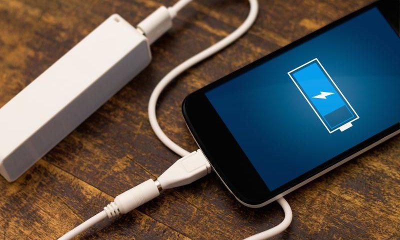 Как правильно обращаться с аккумуляторами устройств Apple