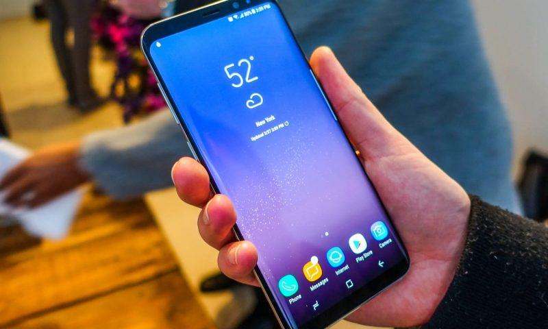 Рассекречена информация о складном смартфоне Samsung Galaxy X