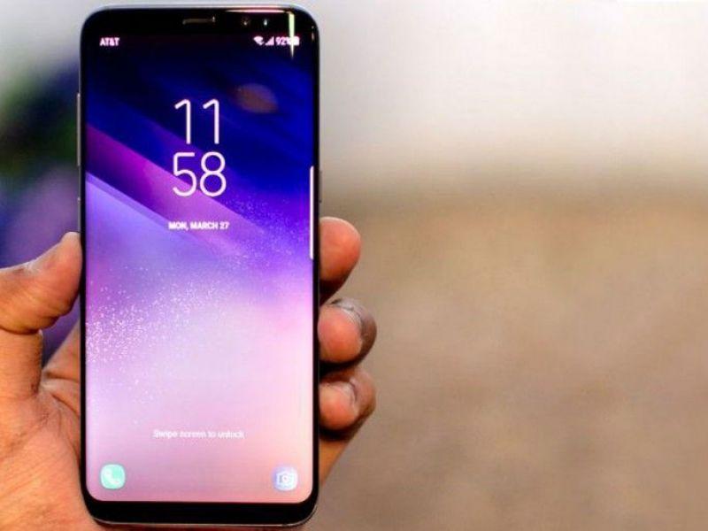 Смартфон Samsung Galaxy S10: знакомый дизайн, новые функции