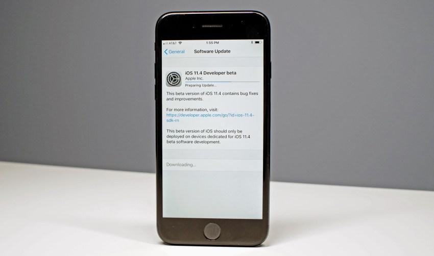 Смартфон Apple iPhone c iOS 11.4 beta