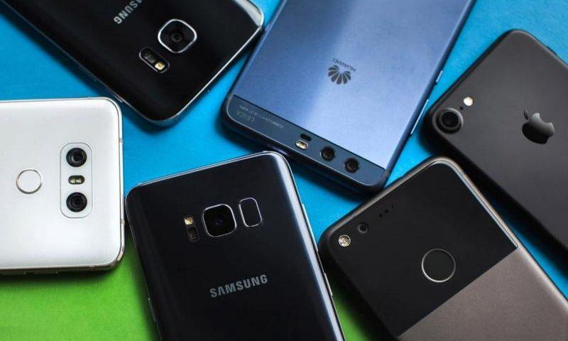 10 смартфонов, которые покорили россиян