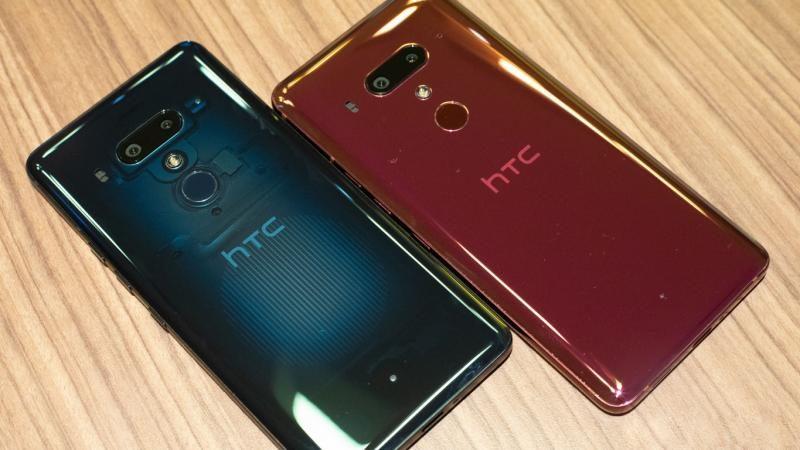 Флагманский смартфон HTC поступил в продажу в России