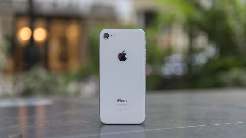 Производитель чехлов рассекретил дизайн iPhone 9