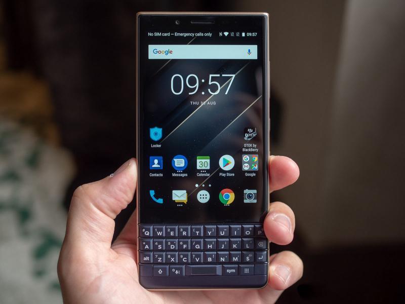 TCL представила упрощённую версию смартфона BlackBerry KEY2