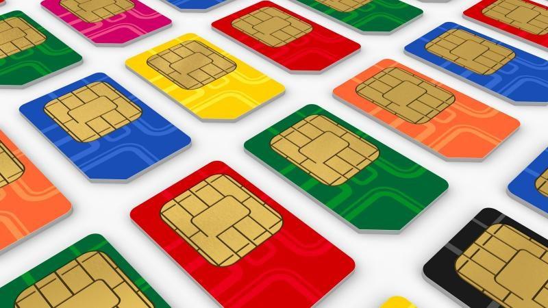 Минкомсвязи хочет заставить операторов перейти на отечественные SIM-карты