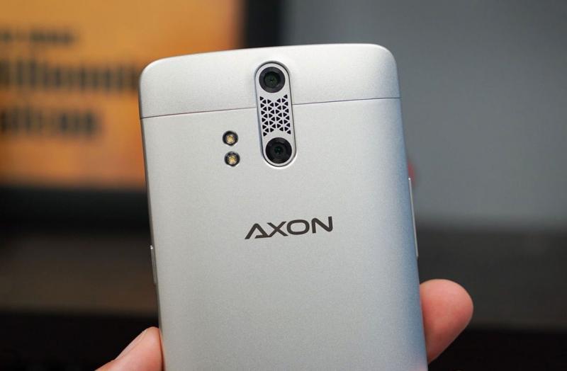 Стала известна дата анонса смартфона ZTE Axon 9