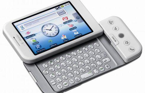 Первому смартфону на Android исполнилось 10 лет