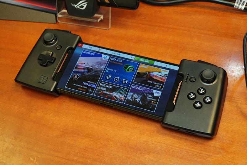 В России начался приём предзаказов на игровой смартфон Asus ROG Phone