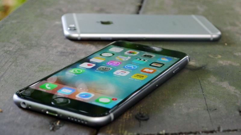 Apple и Samsung заплатят штрафы за умышленное замедление старых смартфонов