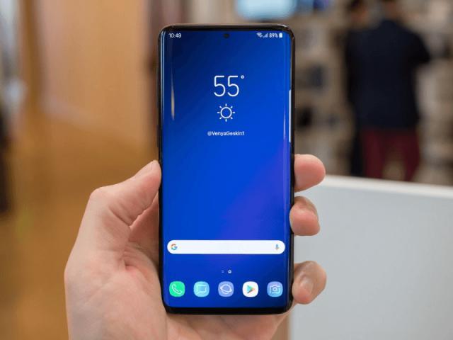 В Сети появился первый «живой» снимок смартфона Samsung Galaxy S10