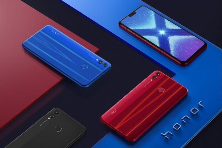 Смартфоны Honor 8X от Huawei