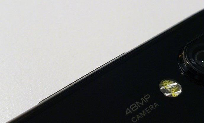 Смартфон Xiaomi с 48-мегапиксельной камерой