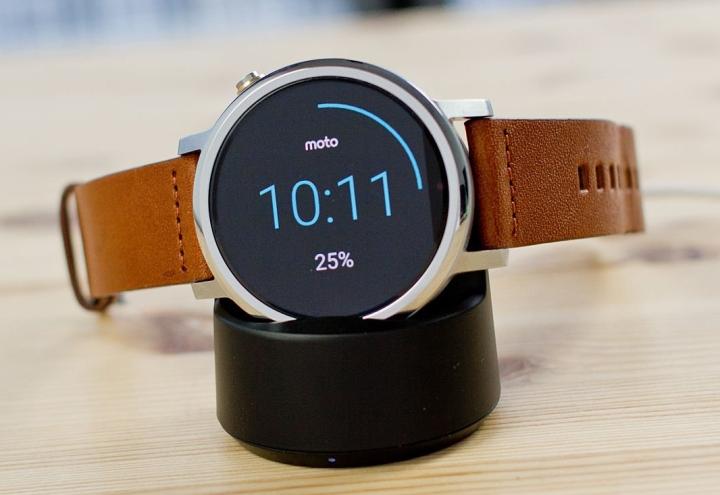 Хорошие умные часы 2018, Motorola Moto 360