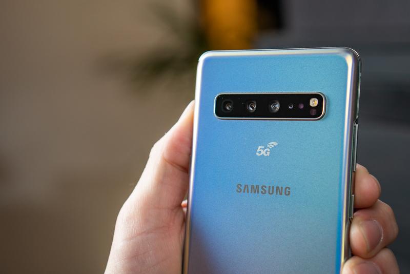 Смартфон Samsung Galaxy S10 5G получил 6,7-дюймовый экран и батарею на 4500 мАч
