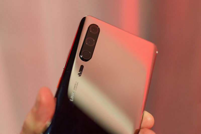 Опубликованы пресс-рендеры смартфонов Huawei P30 и P30 Pro