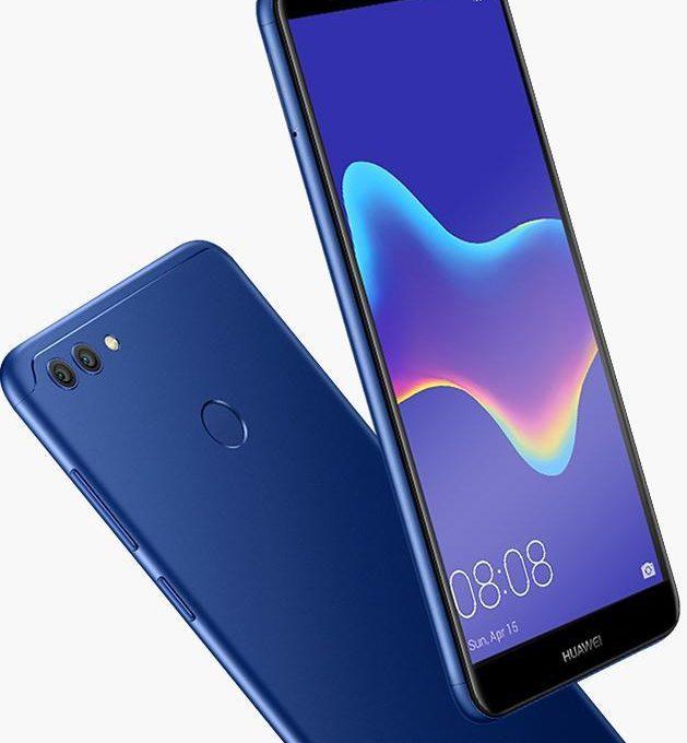 Синий телефон Huawei Y9