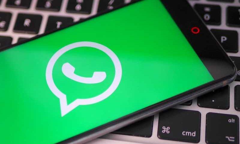 Что значит одна и две галочки в WhatsApp