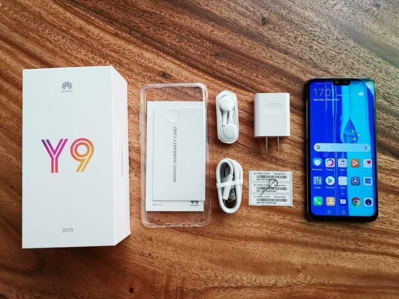 Комплектация Huawei Y9