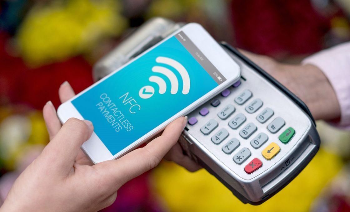 Оплата покупок с помощью технологии NFC