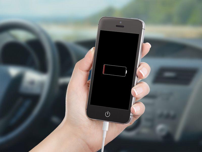 Почему нельзя пользоваться телефоном во время зарядки