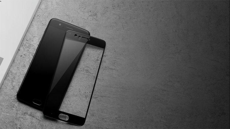 Меняем разбитое защитное стекло на телефоне: как правильно его снять и поставить новое