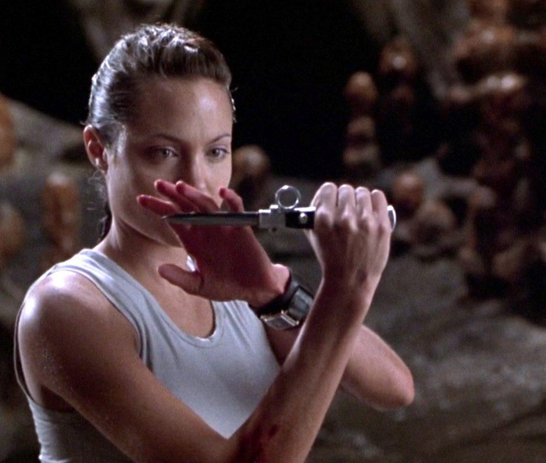 Кадр из фильма «Лара Крофт: Расхитительница гробниц»