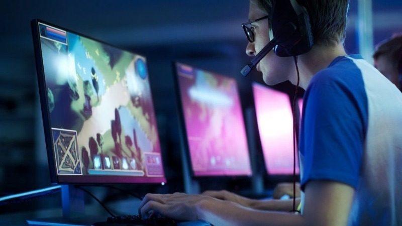 Расскажите жене: 7 полезных навыков, которые человек получает, играя в компьютерные игры